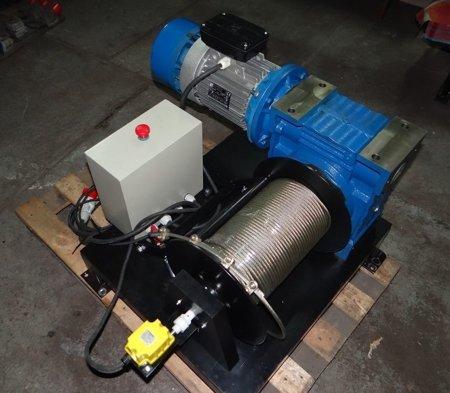 DOSTAWA GRATIS! 28869175 Elektryczna wciągarka z liną o średnicy 6mm (długość liny: 150m, siła uciągu: 990/1800 kg, moc: 3kW 230V)