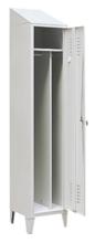 99552179 Szafka ubraniowa 0,8mm na nóżkach ze skośnym daszkiem, zamek ryglujący drzwi w 3 punktach, 1 drzwi (wymiary: 2140x300x490 mm)