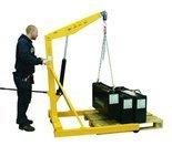 99724831 Żurawik warsztatowy GermanTech (udźwig w pozycji: 700-1000 kg). Szerokość dla palety 840mm
