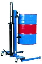 99724854 Wózek podnośnikowy ręczny do beczek GermanTech (udźwig: 300 kg)