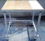 DOSTAWA GRATIS! 77156939 Stół warsztatowy na kółkach (wymiary: 900x900x900 mm)