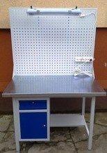 Stół warsztatowy z szafką i szufladą + tablica z listwą zasilającą i oświetleniem (wymiary: 1200x700x900 mm) 77156997