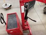 Tretok 61768920 Żuraw hydrauliczny ręczny z przeciwwagą (udźwig: od 150 do 350 kg)