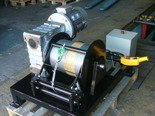 Tretos 28870878 Elektryczna wciągarka z liną o średnicy 8mm (długość liny: 120m, siła uciągu: 950 kg, moc: 3kW 400V)